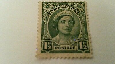 Australia  one  and a half  pence   postage  stamp