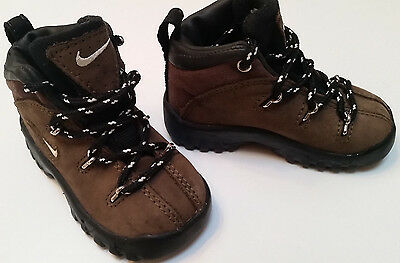 Boys toddler Nike Regrind ACG brown leather hiking boots size 4c laces