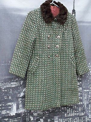 1950s Vintage Girls Tweed Princess Style Coat With Faux Fur Collar.
