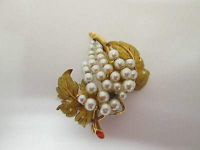 Estate 18 kt Yellow Gold Brooch Pin With Pearls Grapes On A Vine