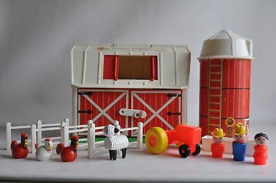 Vintage Fisher Price Barn and Silo Little People Animals Toy Farm Fench