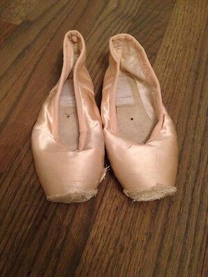 Extremely Dead/Worn Out Pointe Shoes Grishko 2007