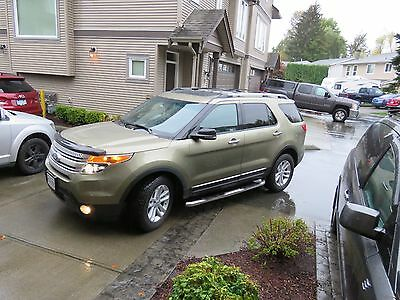 Ford: Explorer XLT FORD EXPLORER - XLT - 4WD  7 PASSENGER - WITH SNOW TIRES ON FACTORY RIMS