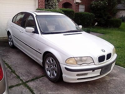 1999 BMW 3-Series  1999 BMW 323i 4-Door