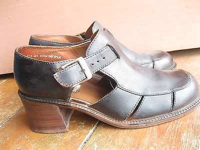 80s 90s LEATHER CHUNKY WOOD HEEL BUCKLE SANDALS CAGE AU 7