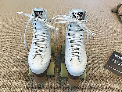 Ladies White Roller Skates - Size US 5 - With Carry Bag