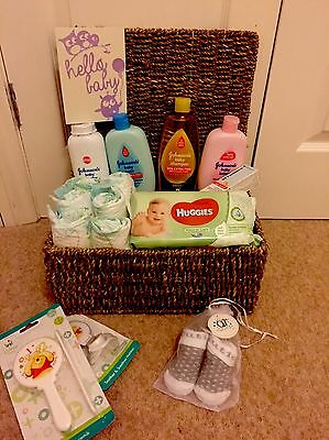 New born essentials baby gift basket hamper unisex neutral baby shower Sea Grass