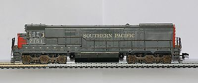 Unboxed Athearn HO gauge #3421 Southern Pacific U-28C No.7151. Runner, lights.