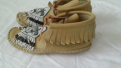 Beaded Leather Indian  Chaparral Moccasins Oglala Sioux Indian Womens 6