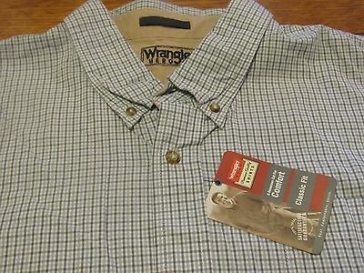 Nwt WRANGLER Size 3 XL Button Front Classic Comfort Fit Shirt. Brand NEW