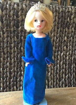 Vintage Sindy 1968 Miss Beautiful, Stunning Dress, shoes, doll stand