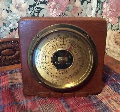 AIRGUIDE 1940's/50's BAROMETER Wood Tabletop Tee & Stemwedle Chicago USA