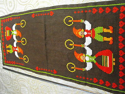 vtg hand-embroidered runner Swedish Xmas Folklore Tomten with candles and hearts