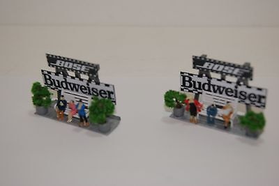 Ho Scale Slot Car Scenery / BOSE / BUDWIESER AD SIGNS with BENCHES & PEOPLE