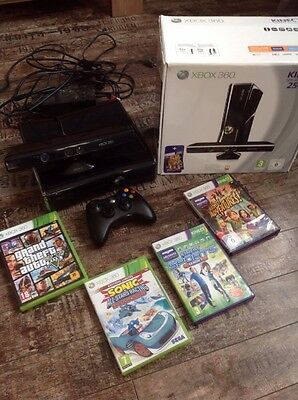console xbox 360 kinect Manette+ 4 Jeux