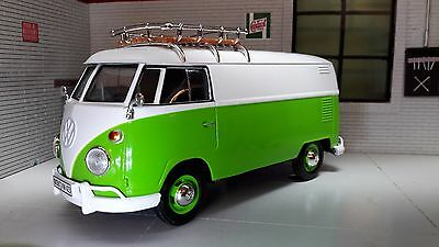 G 1:24 Scale Green VW T1 Split Screen Delivery Van Diecast Model Van 1962 79551