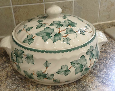 Bhs Country Vine Tureen  British Home Stores Discontinued And Rare