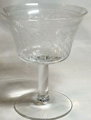 Wine Glass, very fine engraved wide glass