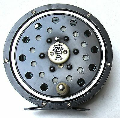 Pflueger Medalist 1498 Akron fly reel with line Made in USA