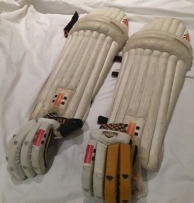 RH Youth Powerbow 500 Batting Gloves And Pads