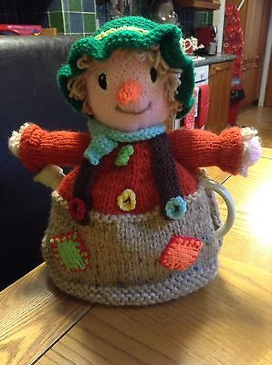 Hand Knitted 2 Pot Scarecrow Tea Cosy