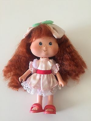 1991 Vintage Strawberry Shortcake Berry Best Party Doll - rare & HTF