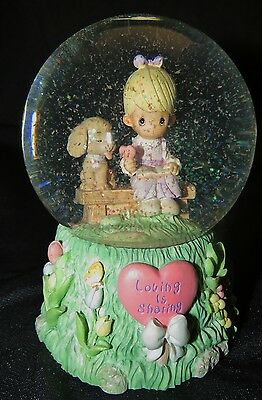 2000 Enesco Precious Moments Puppy Love Musical Snow Globe