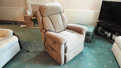 Lazboy Electric Rise And Recliner Chair Twin Motor Model Full Working Order