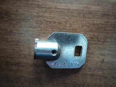 Barrel Key Serial 0305  Amusement Arcade Pinball Juke Gumball Vending Slot