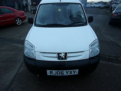 2006 Peugeot Partner Citroen Berlingo Van 1.9D Spares Or Repair Drives Away