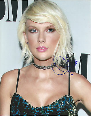 Taylor Swift Signed Autographed 8.5x11 Photo With COA. BMI Awards