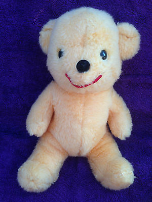 "Disney -Winnie The Pooh - Vintage -11"" Plush Soft Toy - Very Good Condition"
