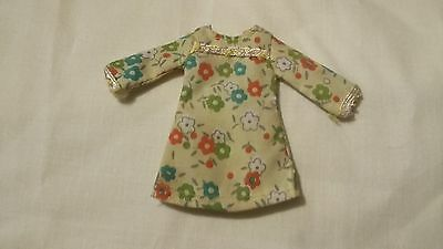 Vintage daisy dress for Pippa doll 1970s