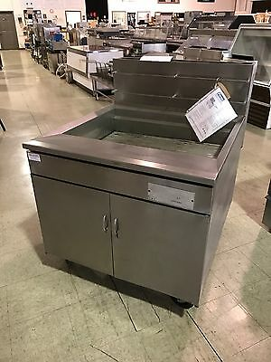 Pitco Model 34F High Volume Food, Chicken, & Fish Fryer, Nat. Gas (SC005)