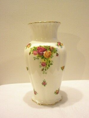 Royal Albert 'Old Country Roses'  Vase  Ex. Con. 9""