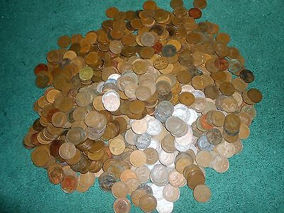 Nice Lot Of 200  Great Britain Pennys Dates Will Range From 1902-1967 Coin