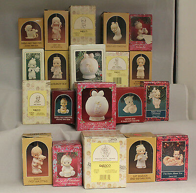 Precious Moment Figurine,  Lot of 20 Precious Moments Christmas  Ornaments,  MIB
