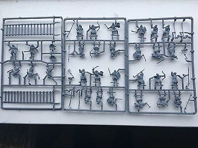 Brand New Warhammer Lord of the Rings 29 Brand New Urakhai Figures to Paint