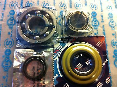 Vespa Flywheel and Clutch bearing kit Metal Clutch side and Flywheel Side Seals