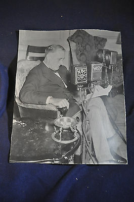 Period Franklin Delano Roosevelt Fireside Chat Photo
