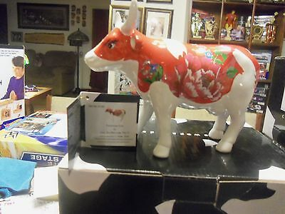 COW PARADE Figurine FORMOSA COW FIGURE #47380 NEW IN BOX