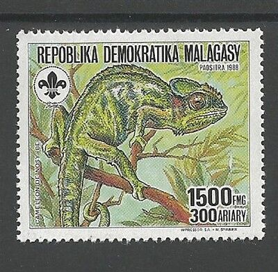 1988 Scouts Malagasy chameleon lizard