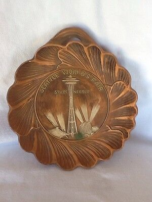 Mid Century 1962 Seattle Worlds Fair Space Needle Wall Plaque Vintage Dish
