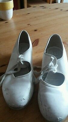tap shoes white size 4