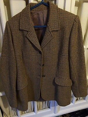ladies show/hunting jacket size 12/14