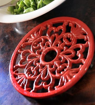 Red Heavy Duty Cast Iron Round Shaped Kitchen Trivet