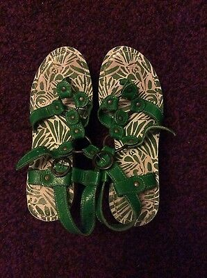 Women's Fly London green sandals size 5