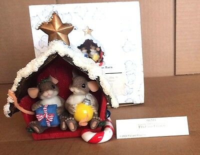 Charming Tails Figurine Friend Filled Christmas Barn 98/244 GOOD Condition