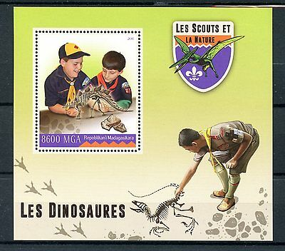 Madagascar 2016 MNH Scouts & Nature Dinosaurs 1v S/S Scouting Stamps