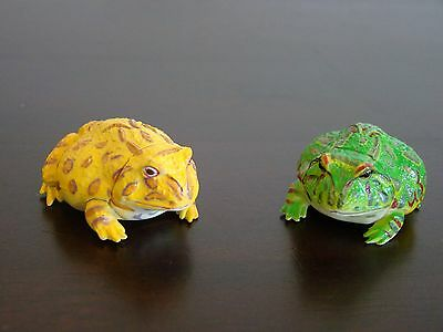 JAPAN KAIYODO FURUTA Choco Egg Animal Pet Miniature TWO Argentine Horned Frogs